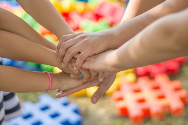 Spel - en praatgroep voor kinderen in echtscheidingssituaties (KIES)
