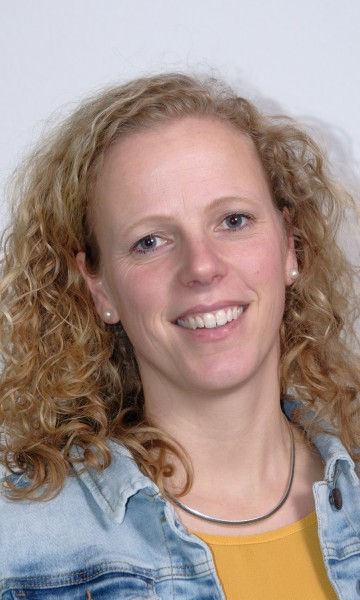 Esther van Dijk - van de Kaaij