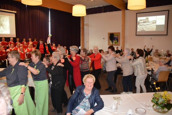 Westlandse senioren genieten van een muzikale en nostalgische ontmoeting